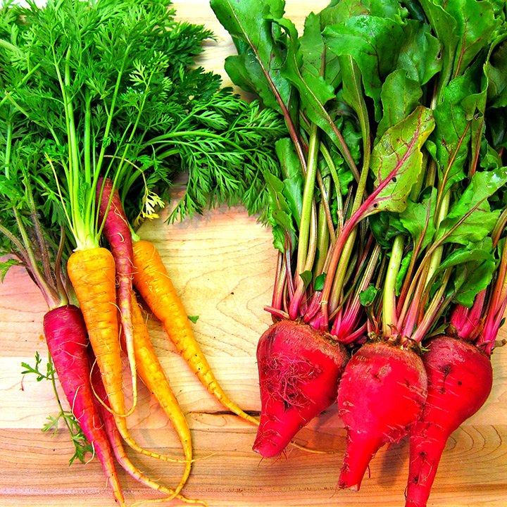 Reţete raw: Salată de morcov, ţelină şi sfeclă
