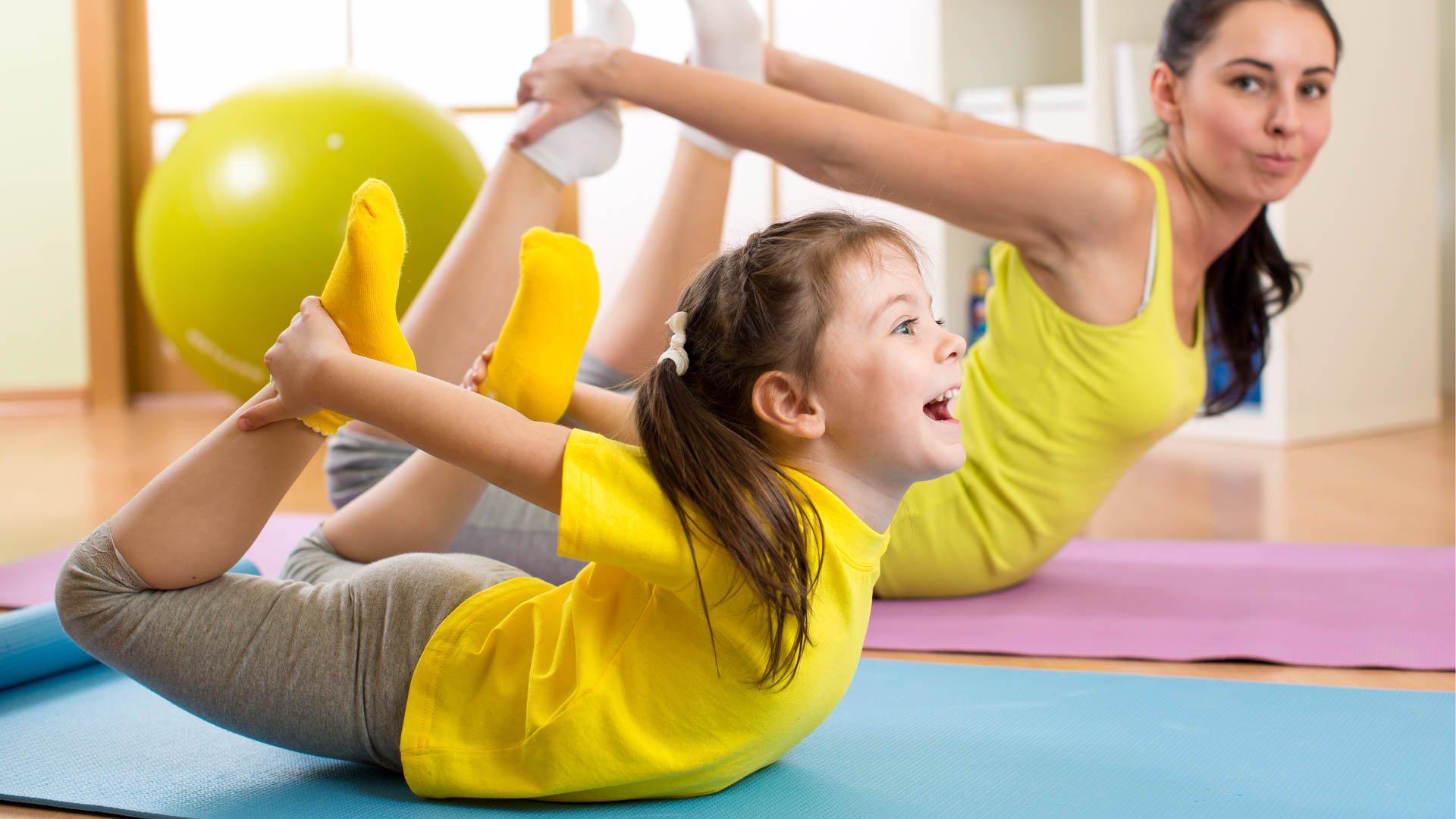 3 moduri simple în care-ți poți ajuta copilul să aibă un stil de viață sănătos