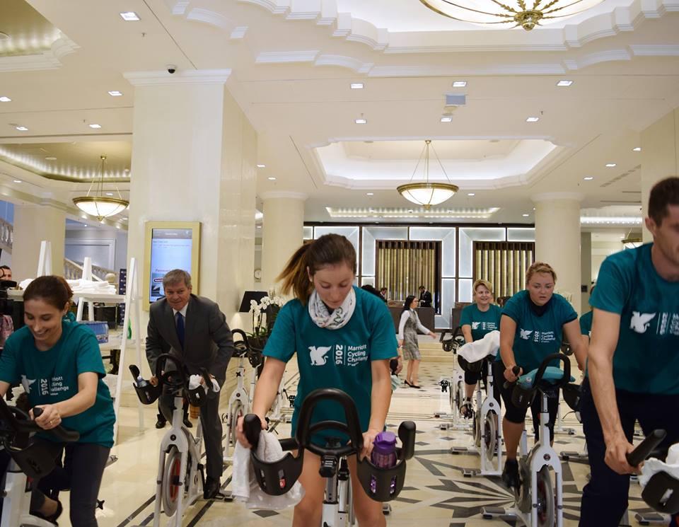 De ce e important că PM Dacian Cioloș a fost văzut pe bicicletă?
